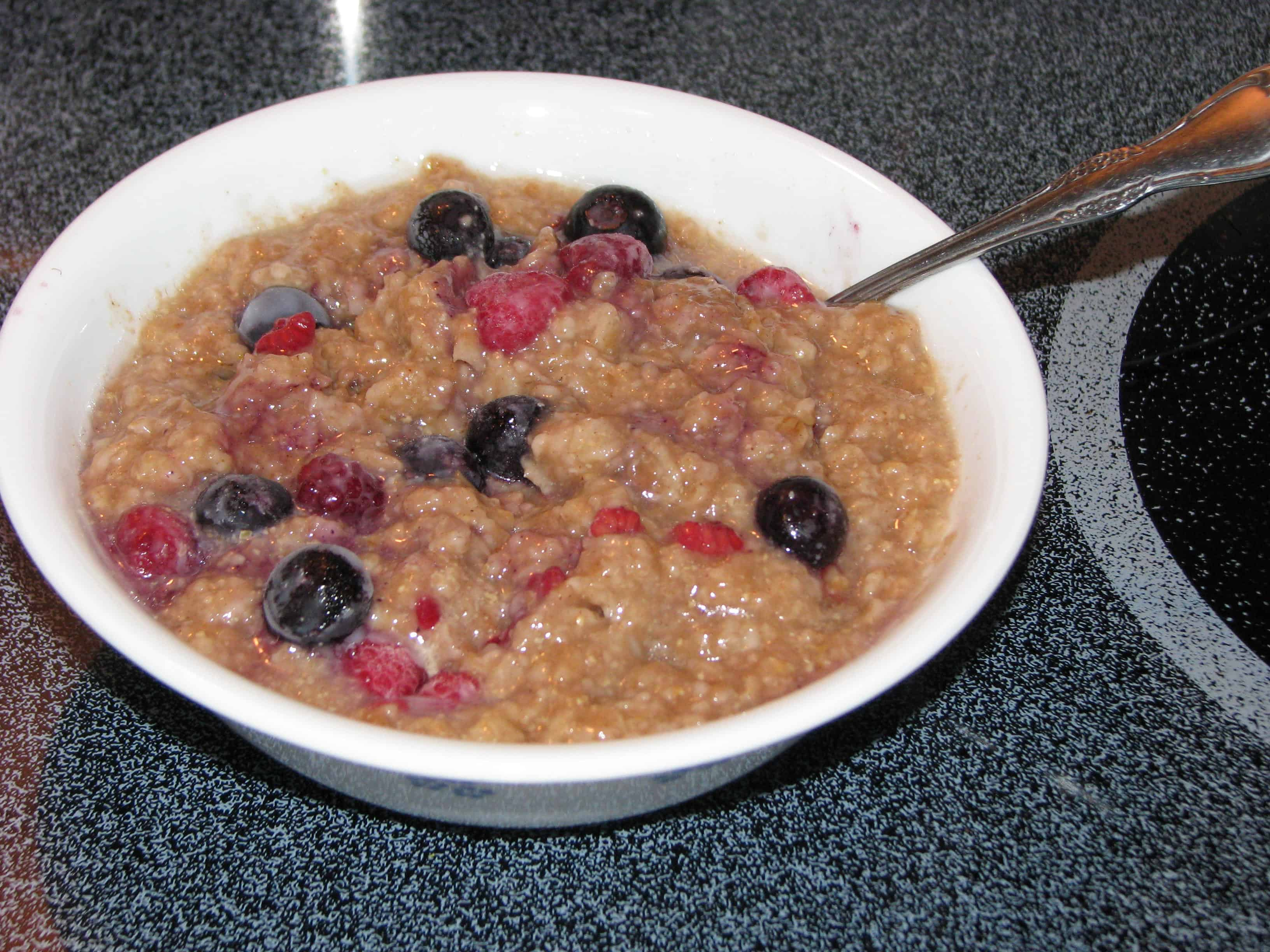 Old Fashioned Oatmeal & Berries – E